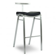 tabouret et chaise haute de bar chaises hautes de bar pour professionnel chr one mobilier. Black Bedroom Furniture Sets. Home Design Ideas