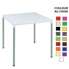 TPG-020 Table 75x75 cm en polypropylene empilable 17 couleurs au choix